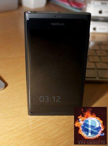 NOKIA N9 – MeeGo Smartphone