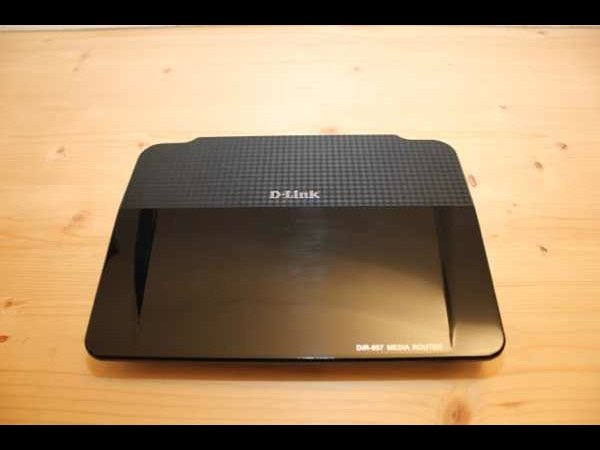 D-Link DIR-857 Amplifi Dualband HD Media Router - Video