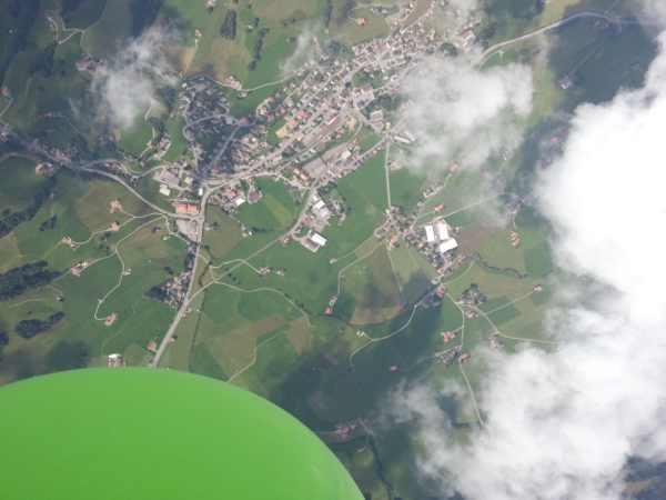 Das fliegende Smartphone - die Swisscom lässt das SGSIII steigen