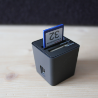 Kompakter Card-Reader «Top-loading» von Elecom im Test - Video