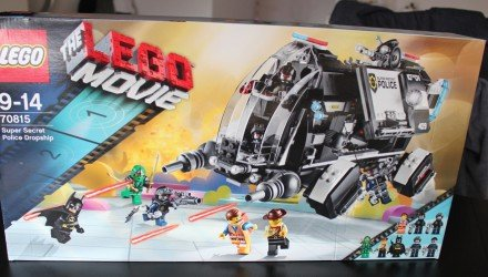 LEGO Movie «Super Secret Police Dropship»