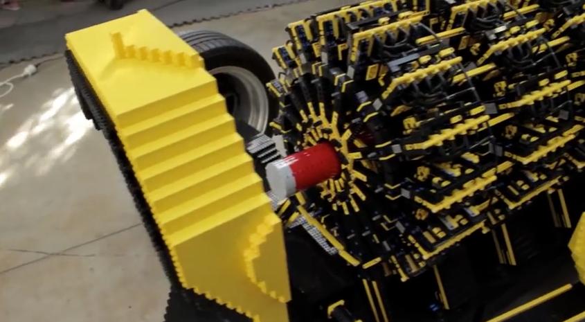 Video – Ein Auto aus 500'000 LEGO Stücken und es fährt