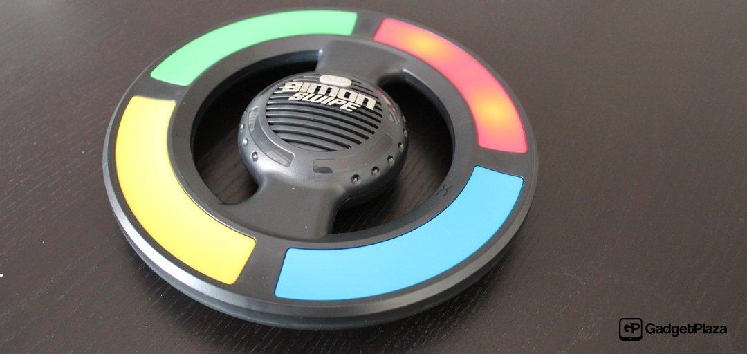 Hasbro «Simon Swipe Game» – Retro Spiel nicht nur für die Kleinen