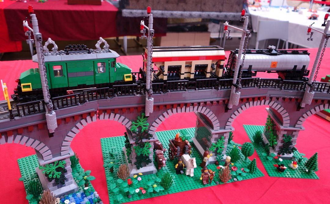 LEGO Ausstellung SteinCHenwelt viel LEGO und staunende Gesichter
