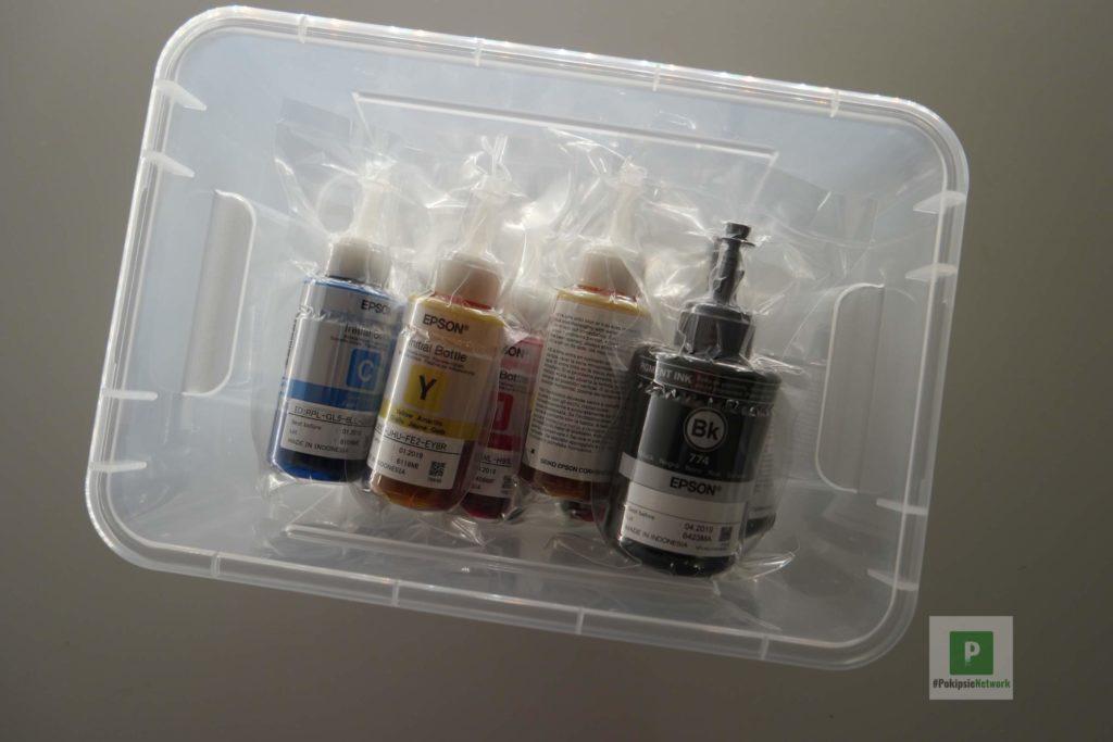 Tintenflaschen aufbewahrt in der IKEA Box