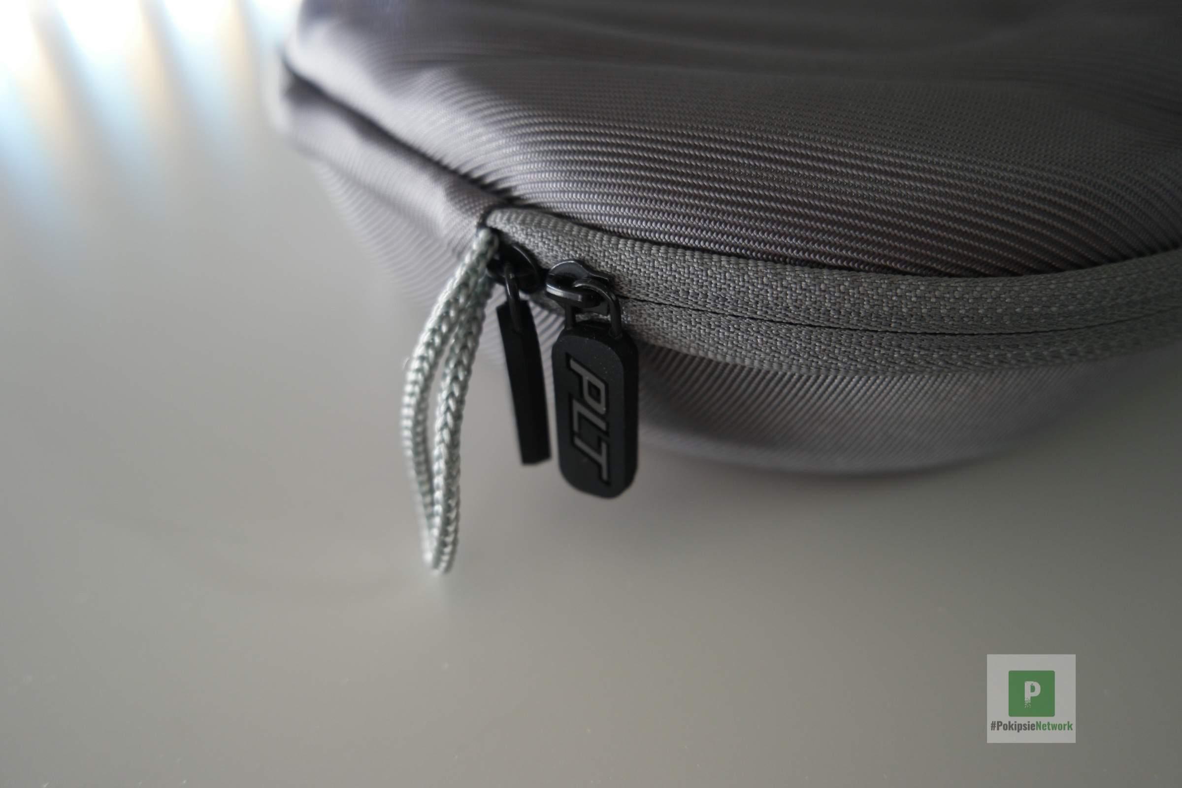 Zwei Zipper am Reissverschluss