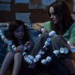 Room - Szenen - 01 Jack (Jacob Tremblay), Ma (Brie Larson)-2