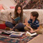 Room - Szenen - 02 Ma (Brie Larson), Jack (Jacob Tremblay)-2