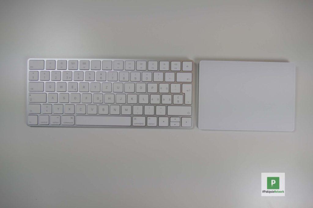 Tastatur und TouchPad liegen frei herum
