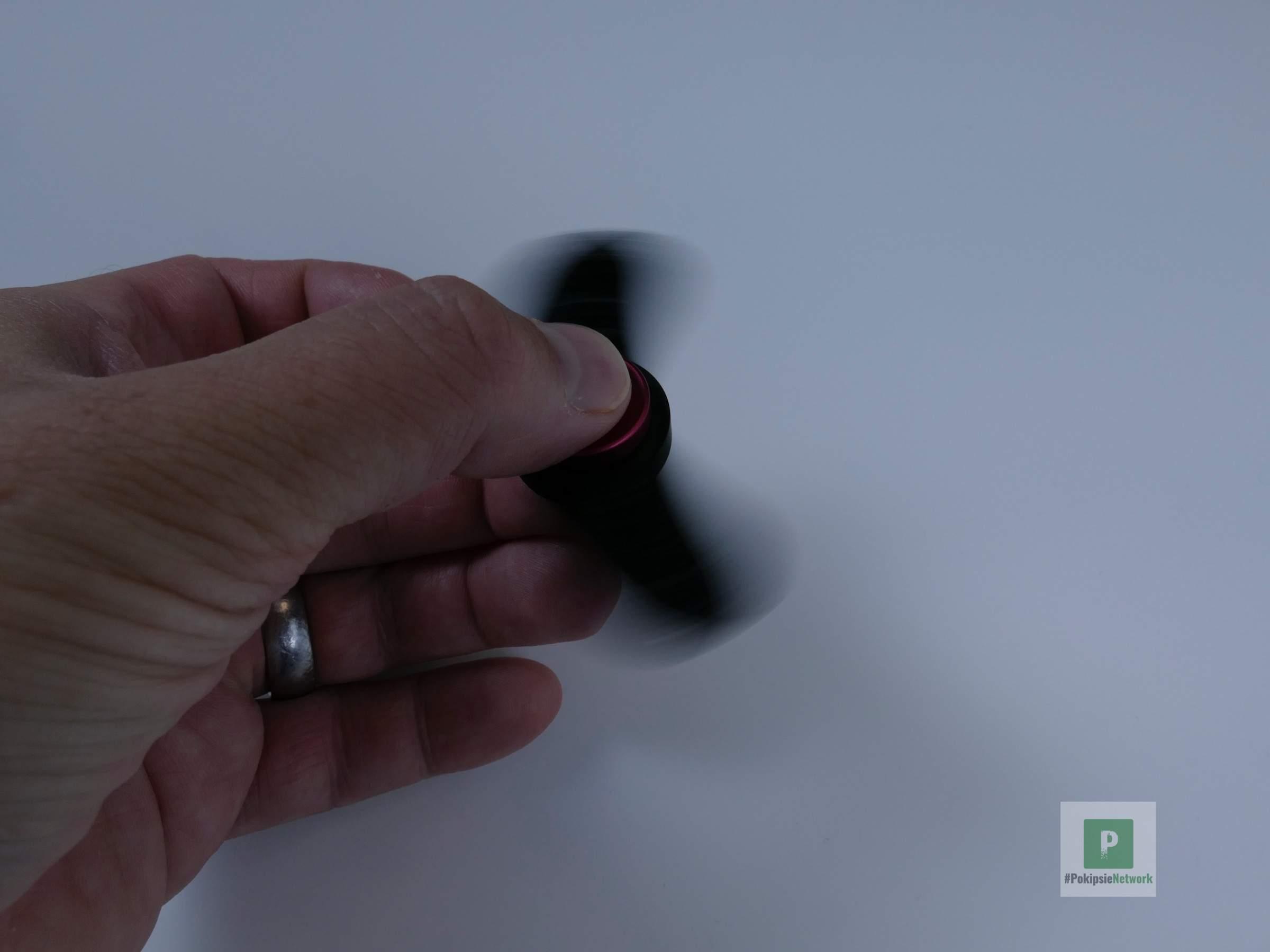 MOKEY Hand Spinner als Entscheidungsträger