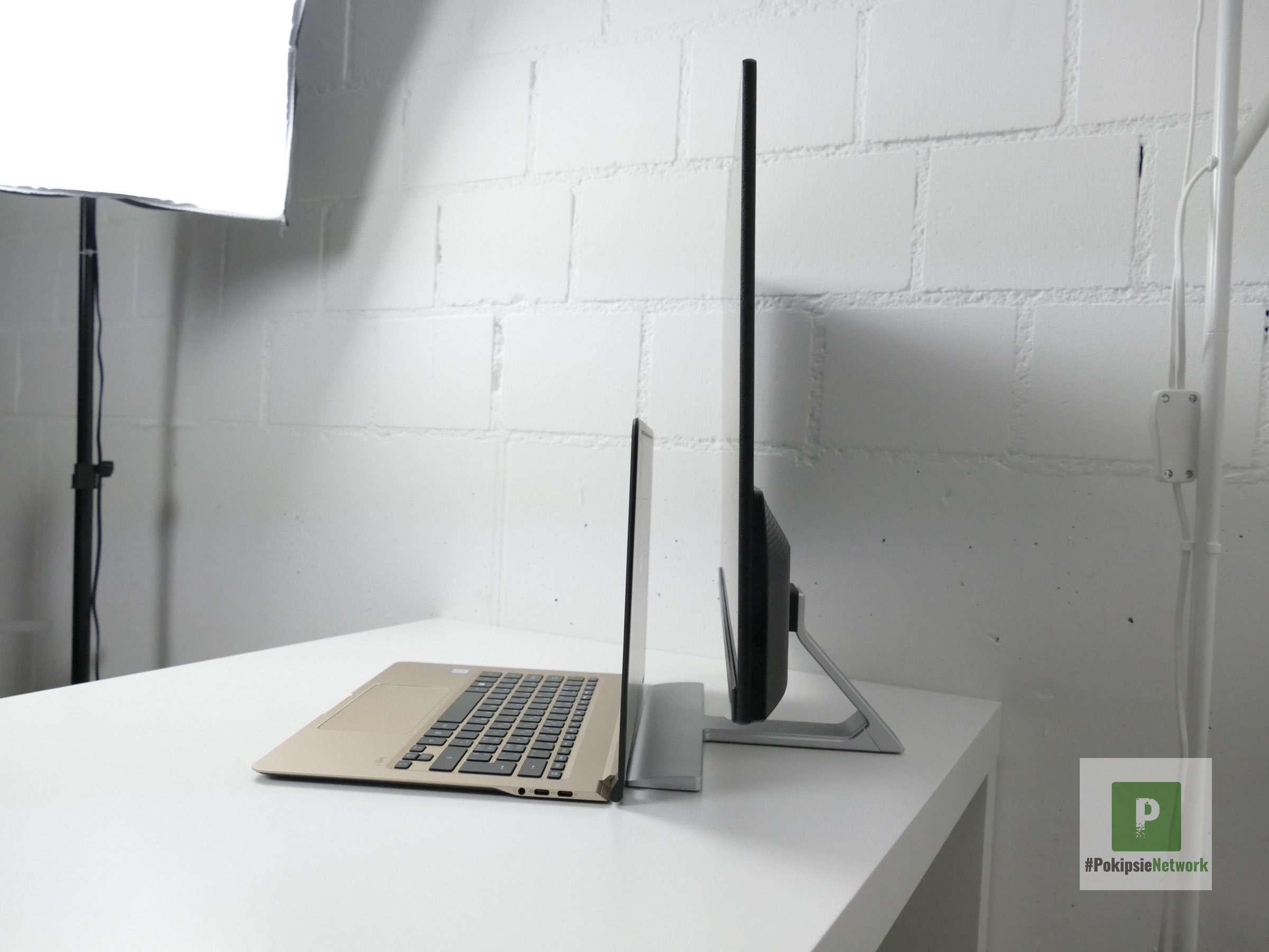 Acer Monitor und Swift 7 von der Seite