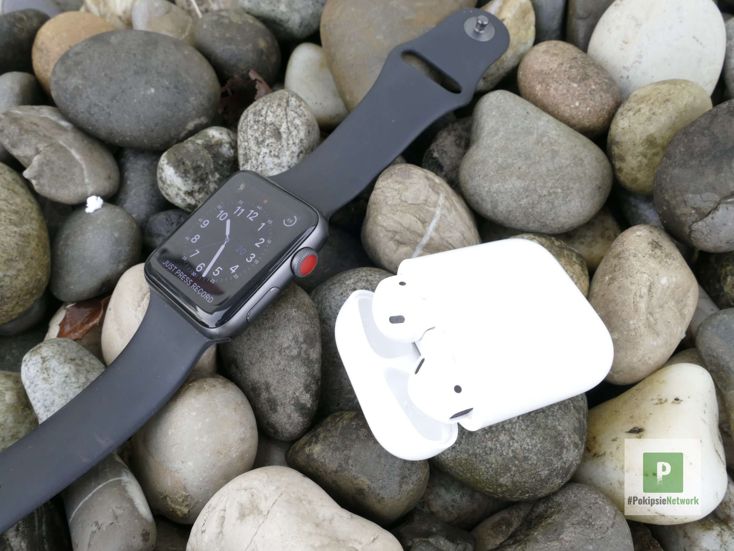 Apple Watch Series 3 LTE und Apple AirPods