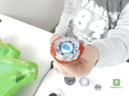 Hasbro – Beyblade Burst Switch Strike Star Storm Battle Set