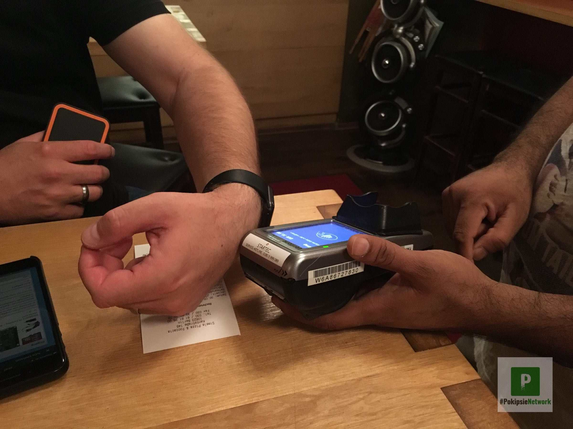 Bargeldlos bezahlen mit der Apple Watch in Berlin