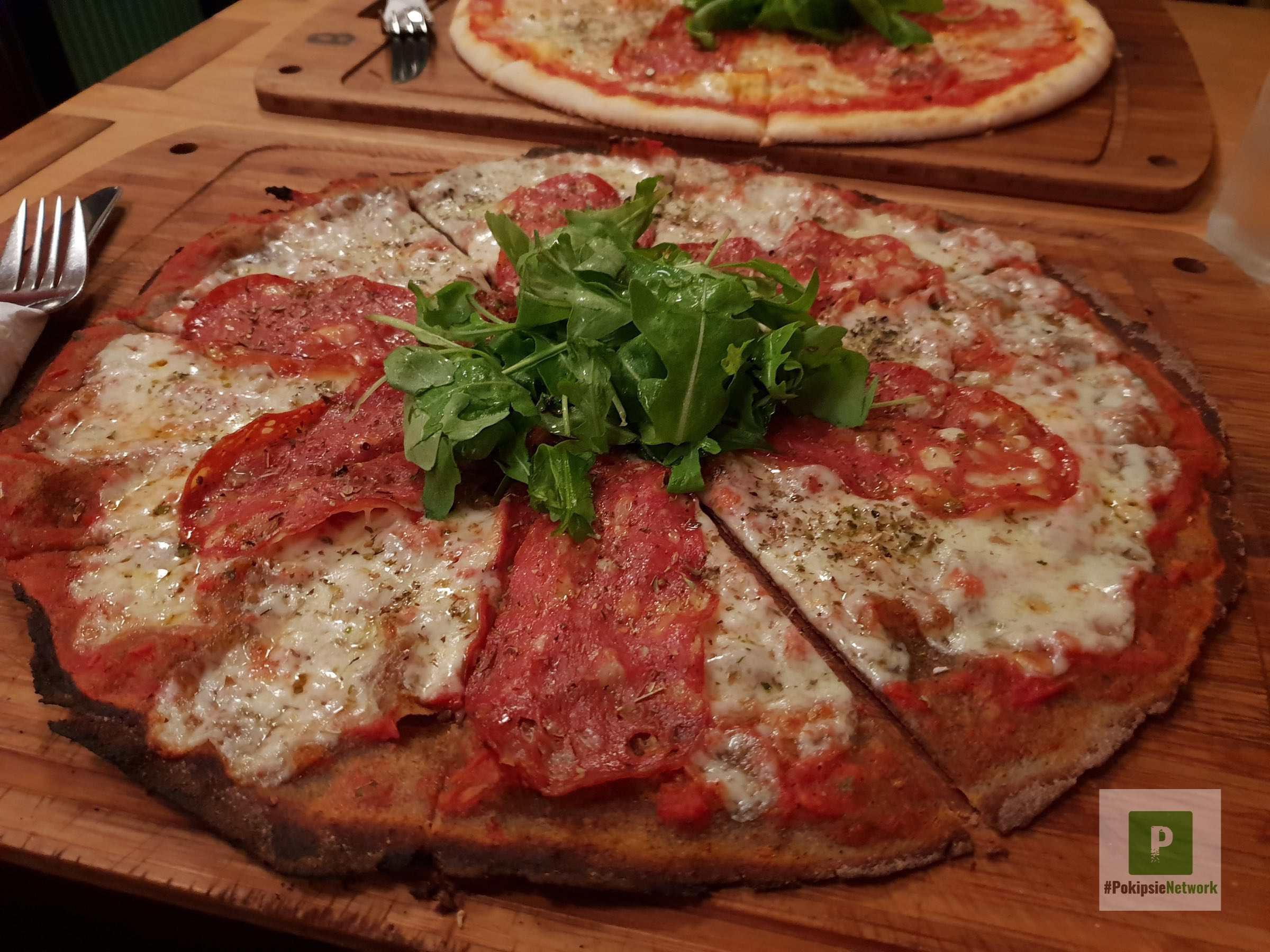 Leckere, glutenfreie Pizza im Simela Berlin