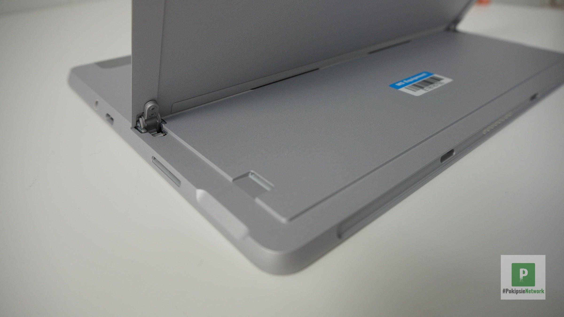 Der Zugang für die microSD