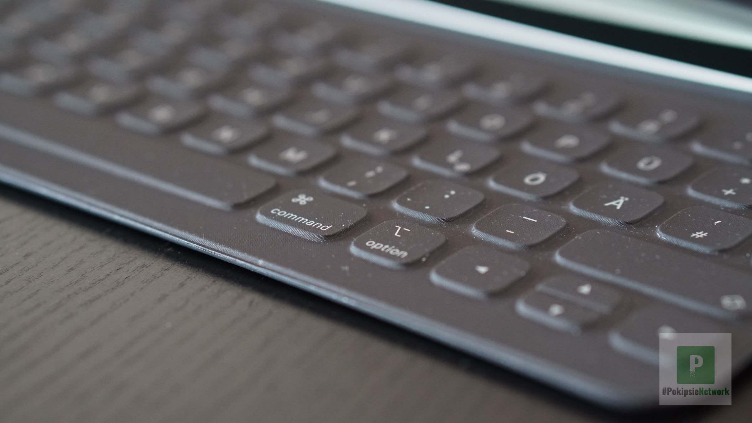 Seitliche Ansicht der Tastatur