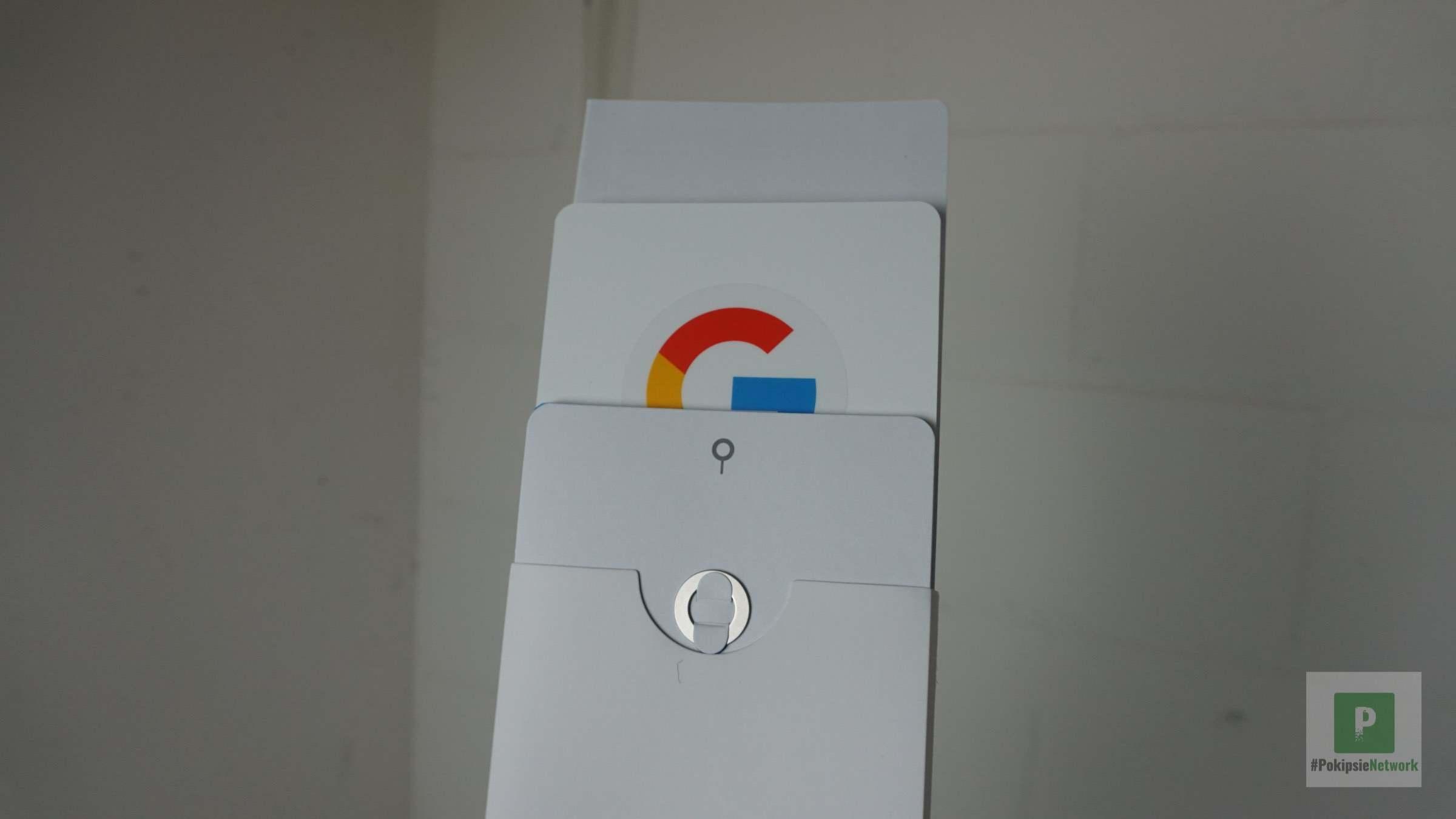 Papierzeugs und SIM-Karten-Tool