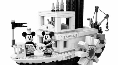 LEGO Steamboat Willie – Original Mickey Mouse Boot 21317