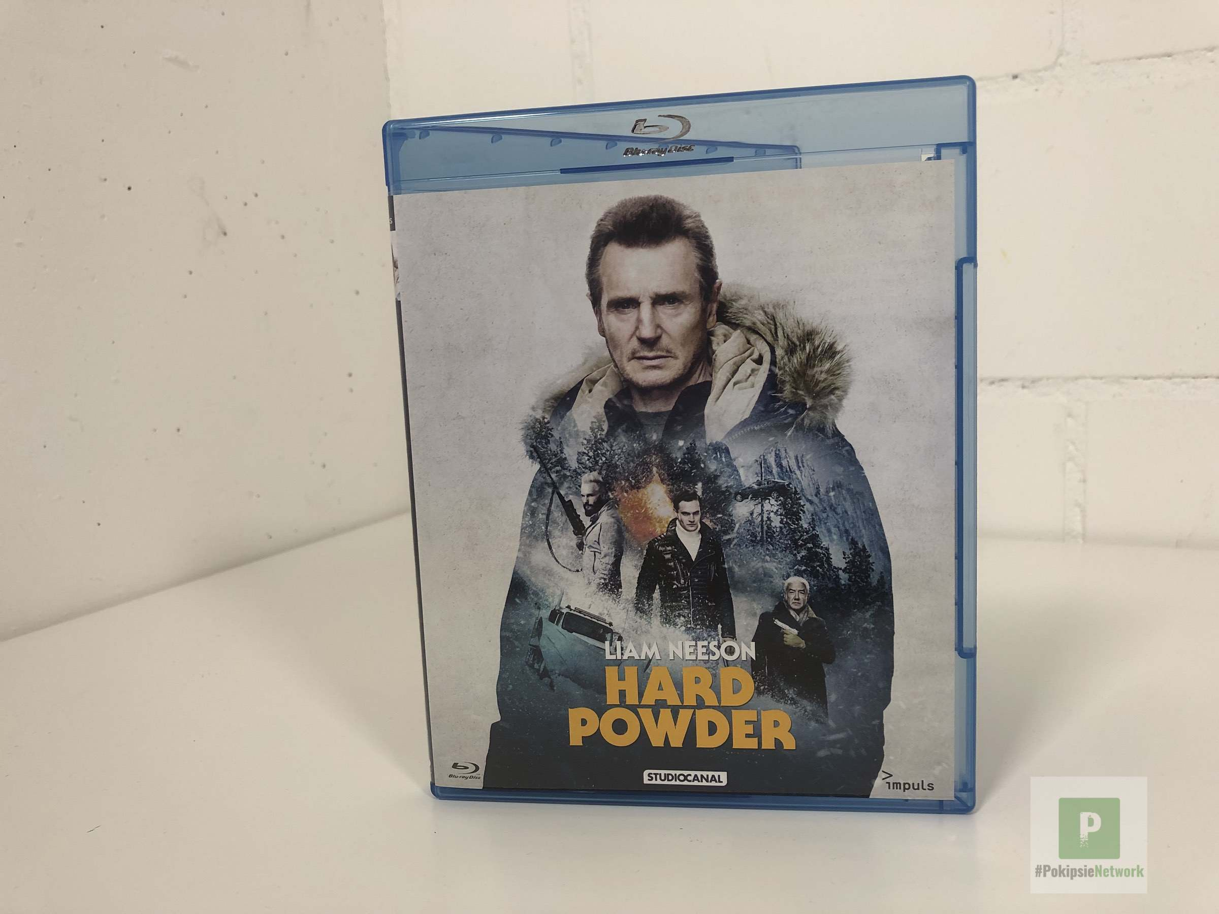 Hard Powder – Viel Action mit einer ungewohnten Priese schwarzem Humor