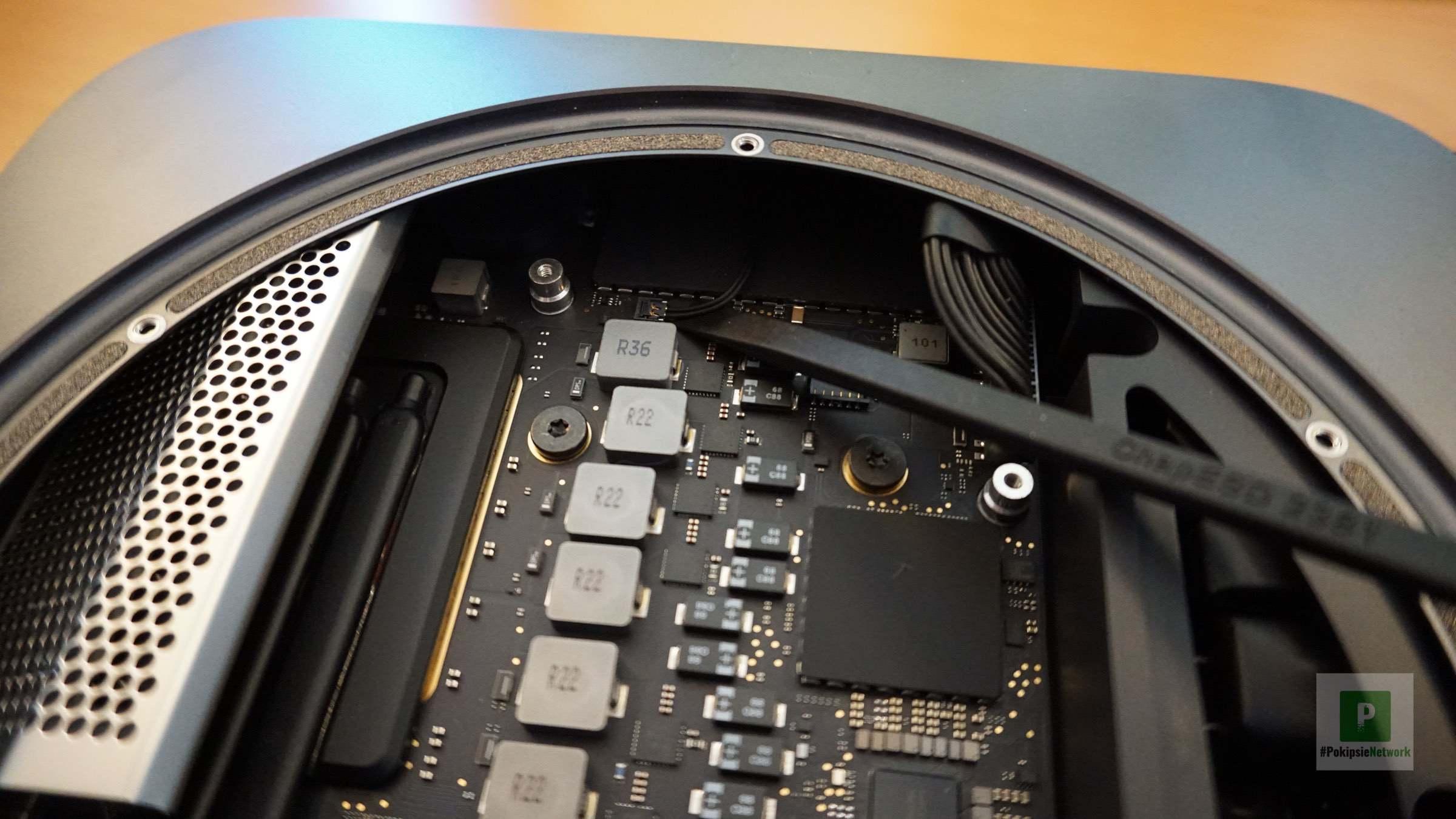 Das Kabel für den Infrarot Sensor lösen