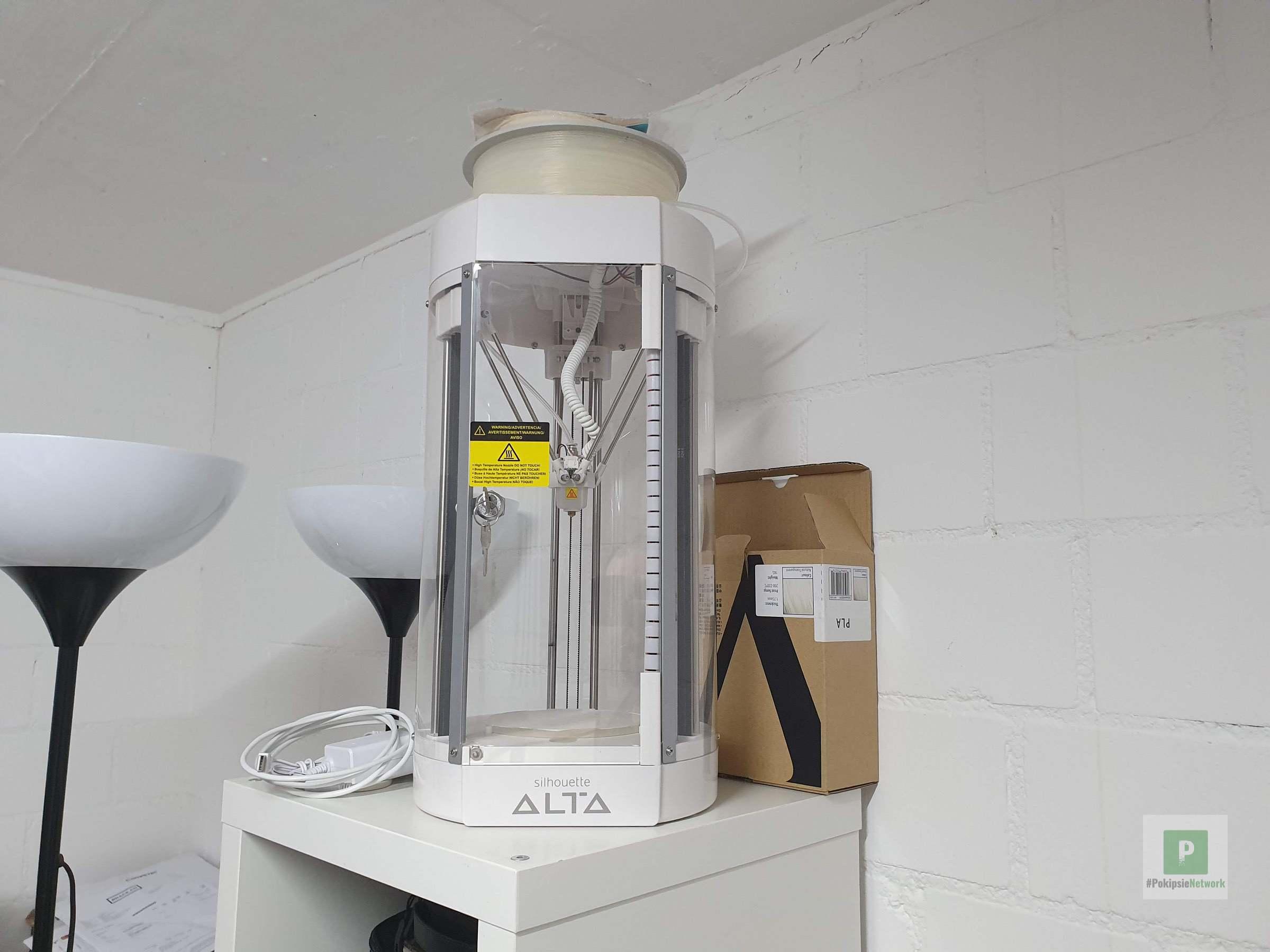 Der Drucker auf dem IKEA Gestell