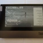 Das ThinkBook mit dem e-Ink-Display