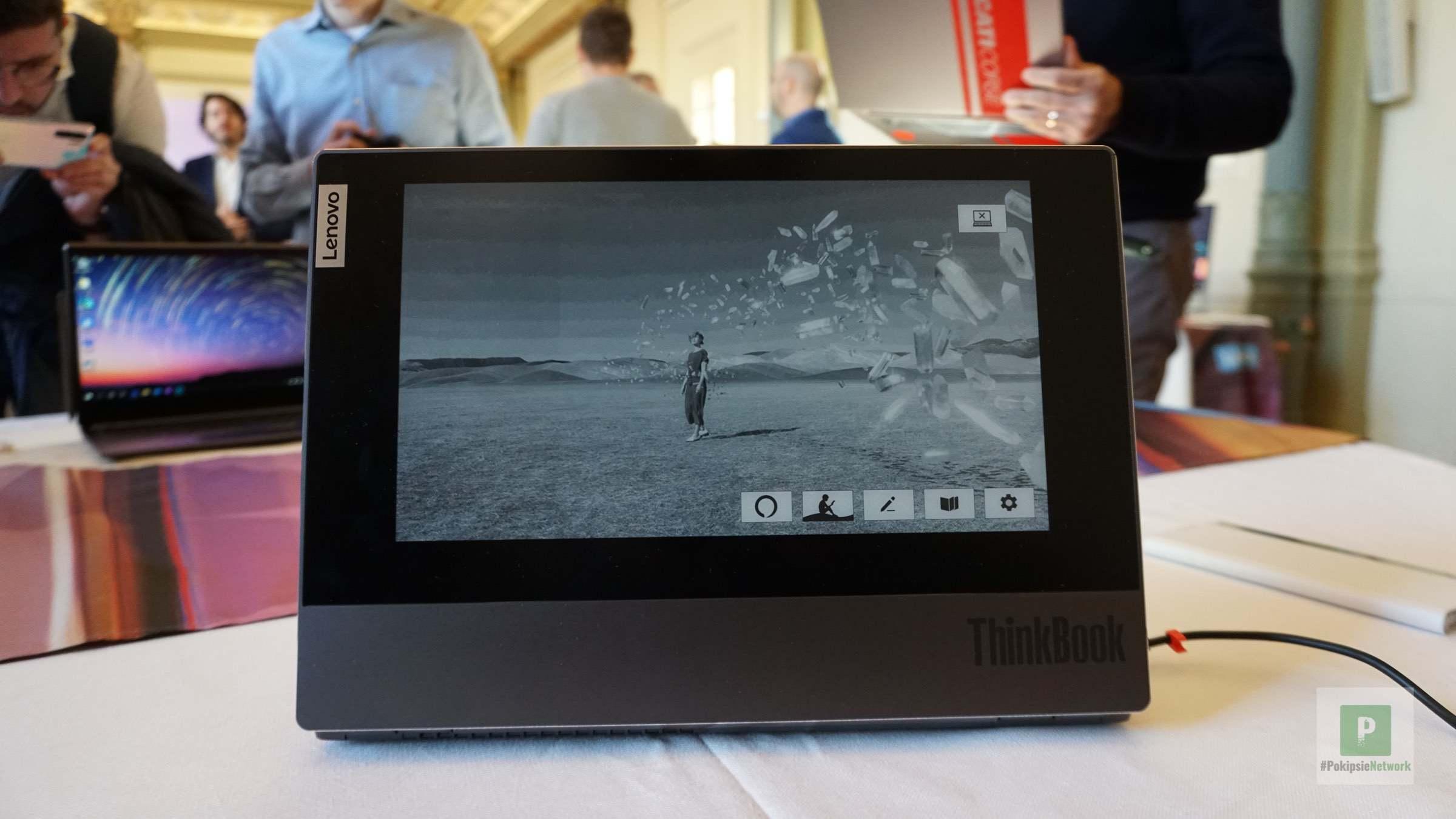 Das ThinkBook mit dem e-Ink-Display
