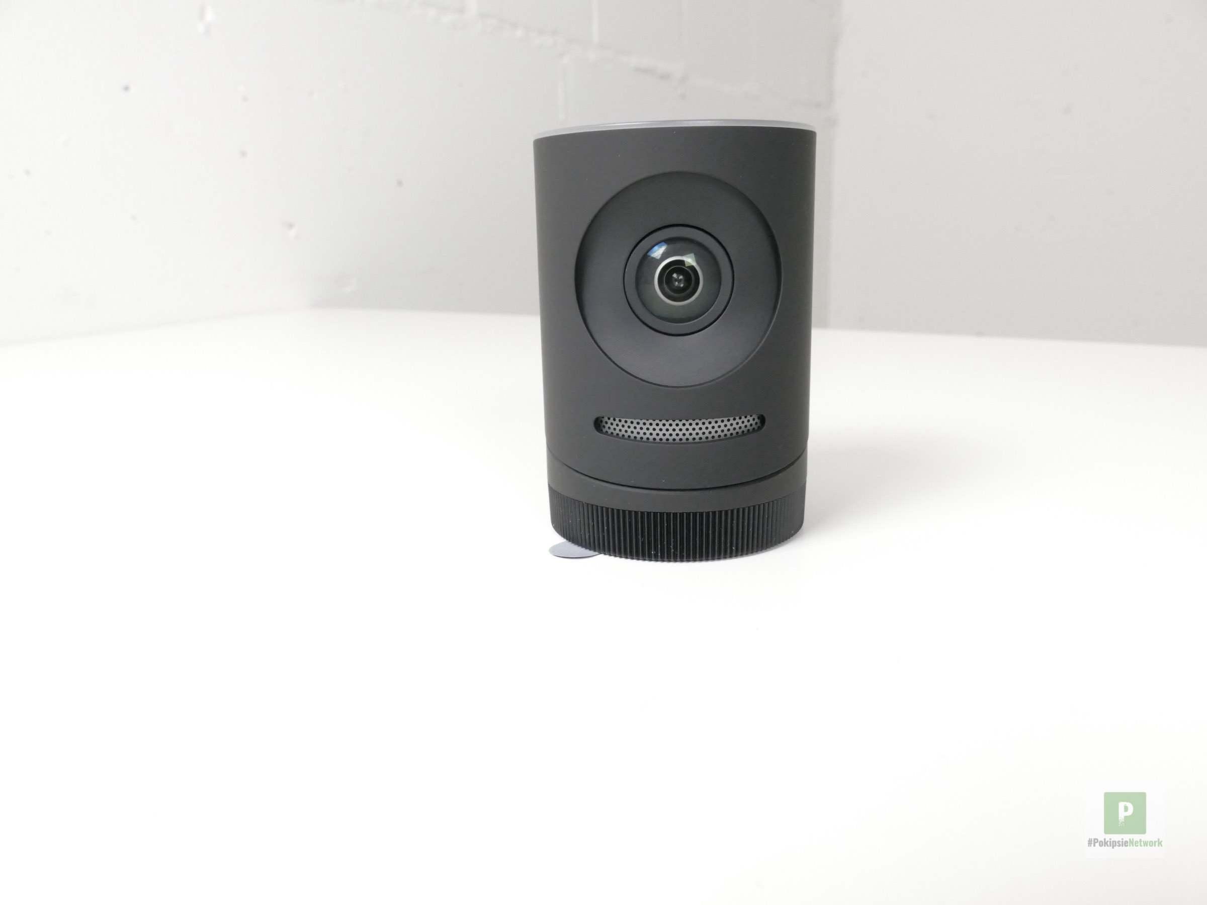 Die Kamera mit dem Mikrofon-Gitter