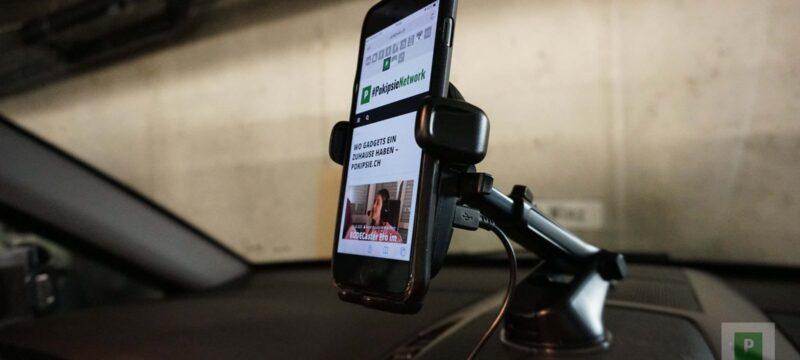 Smartphone Halterung im Auto