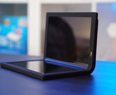 Erstes faltbares Tablet