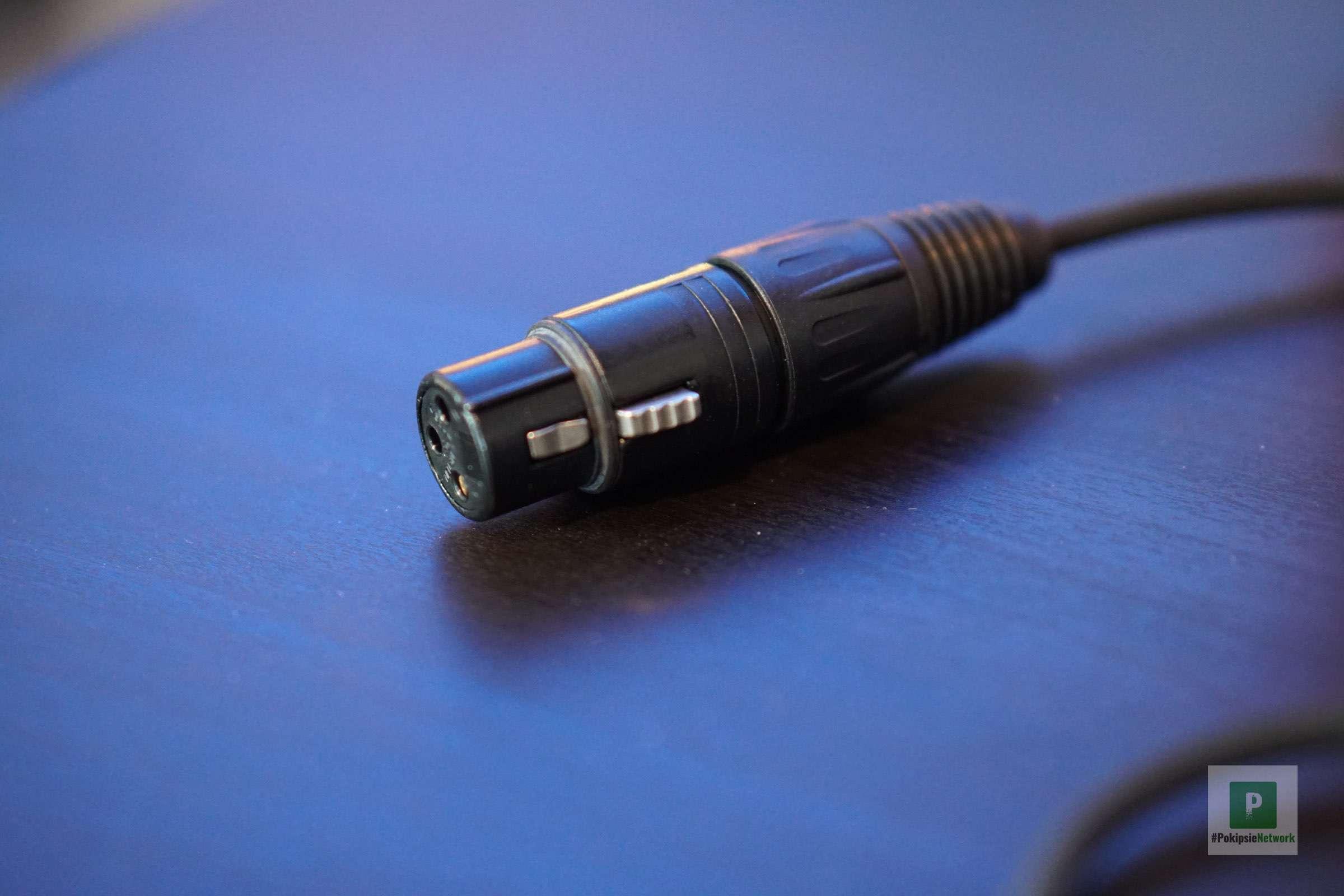 Das integrierte XLR-Kabel