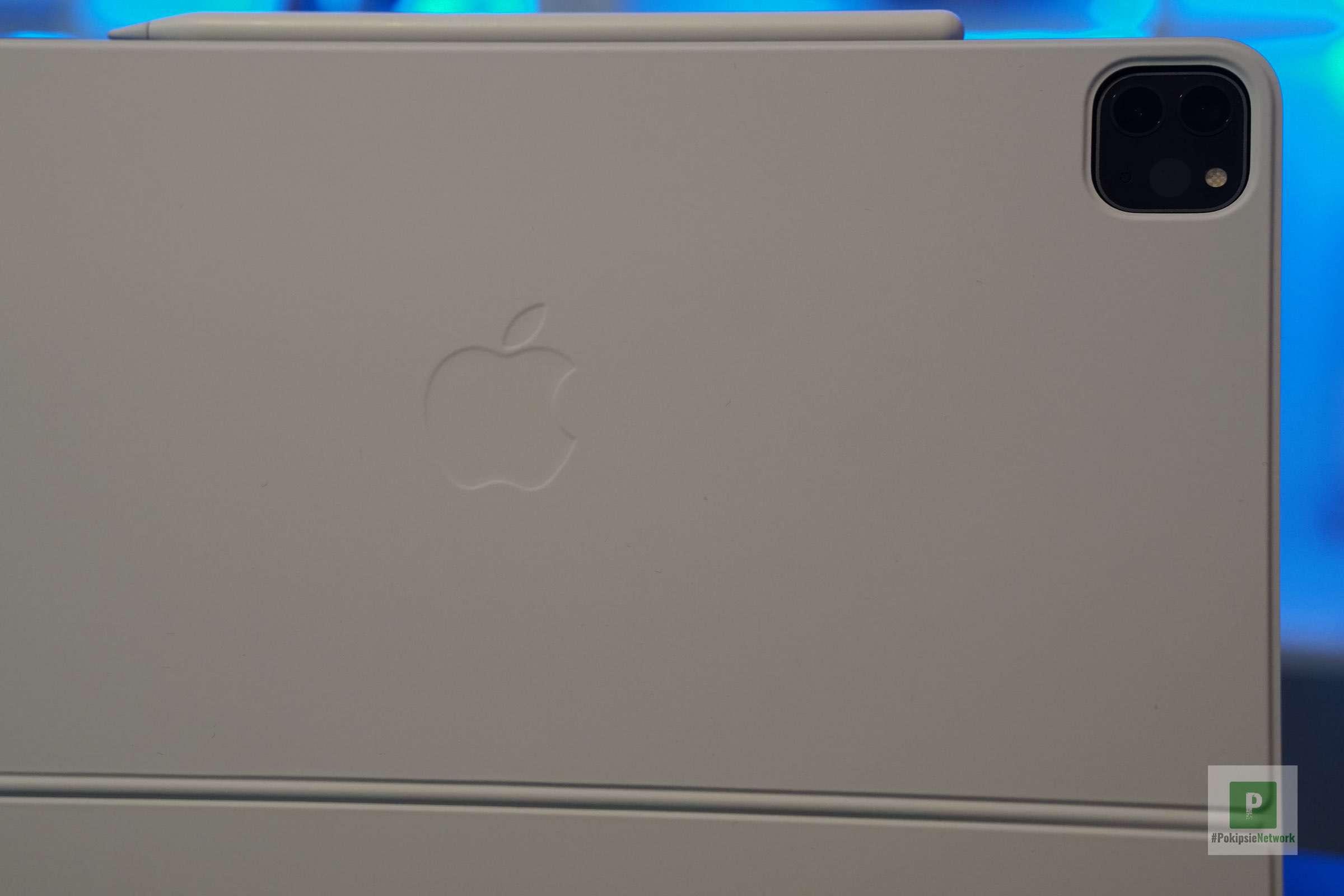 Die Rückseite mit dem Apple Logo