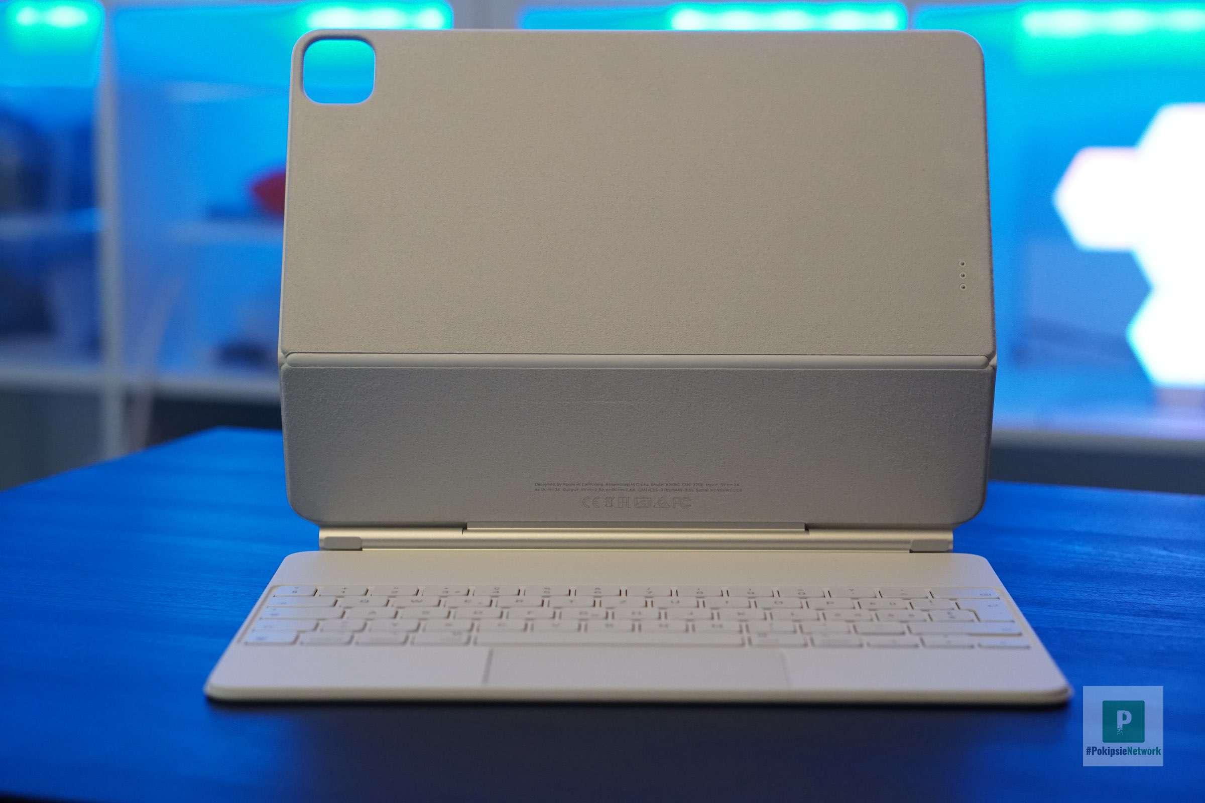 Aufgeklappt und bereit fürs iPad
