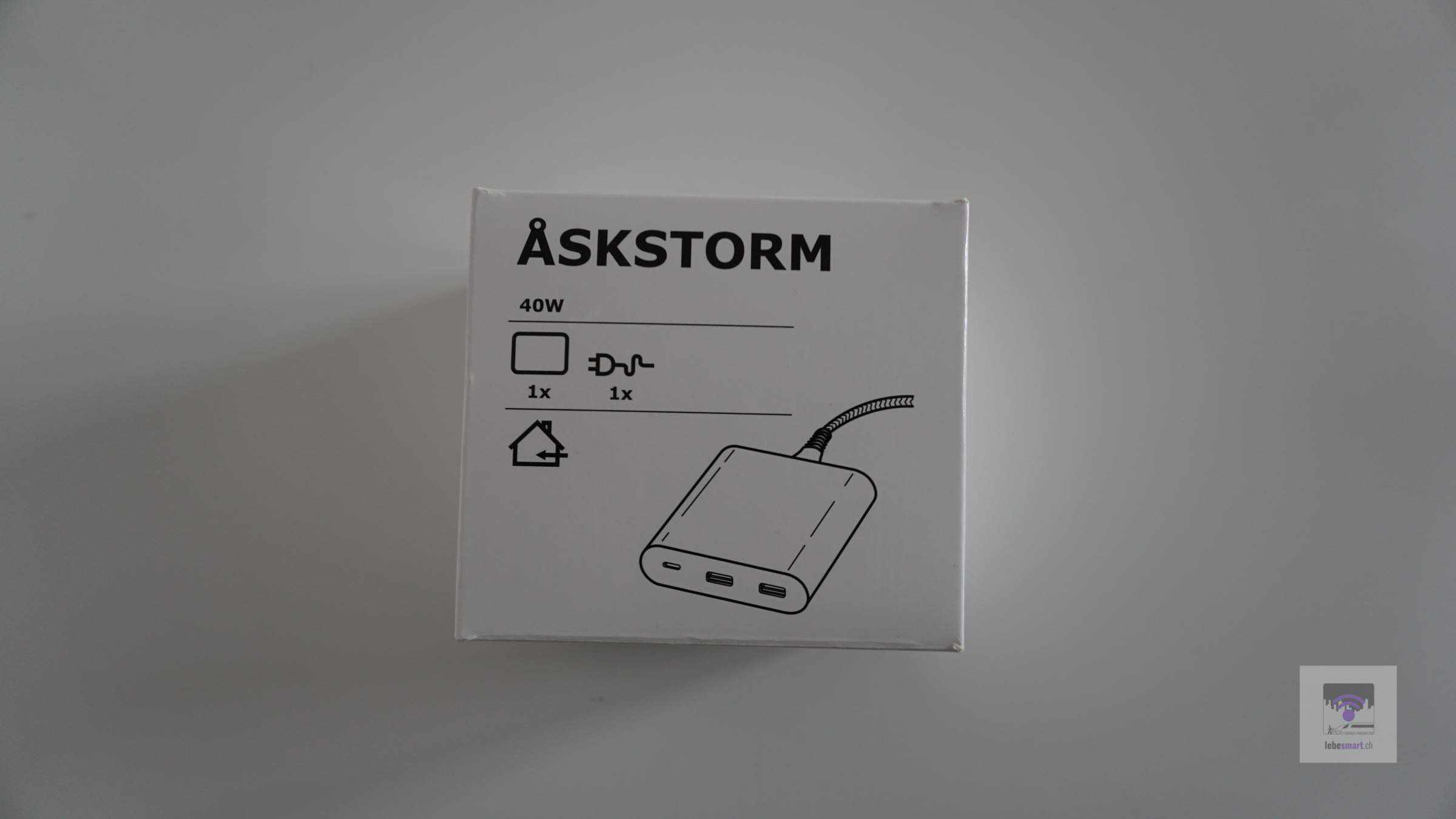 IKEA ÅSKSTORM – Ladegerät in günstig vorgestellt