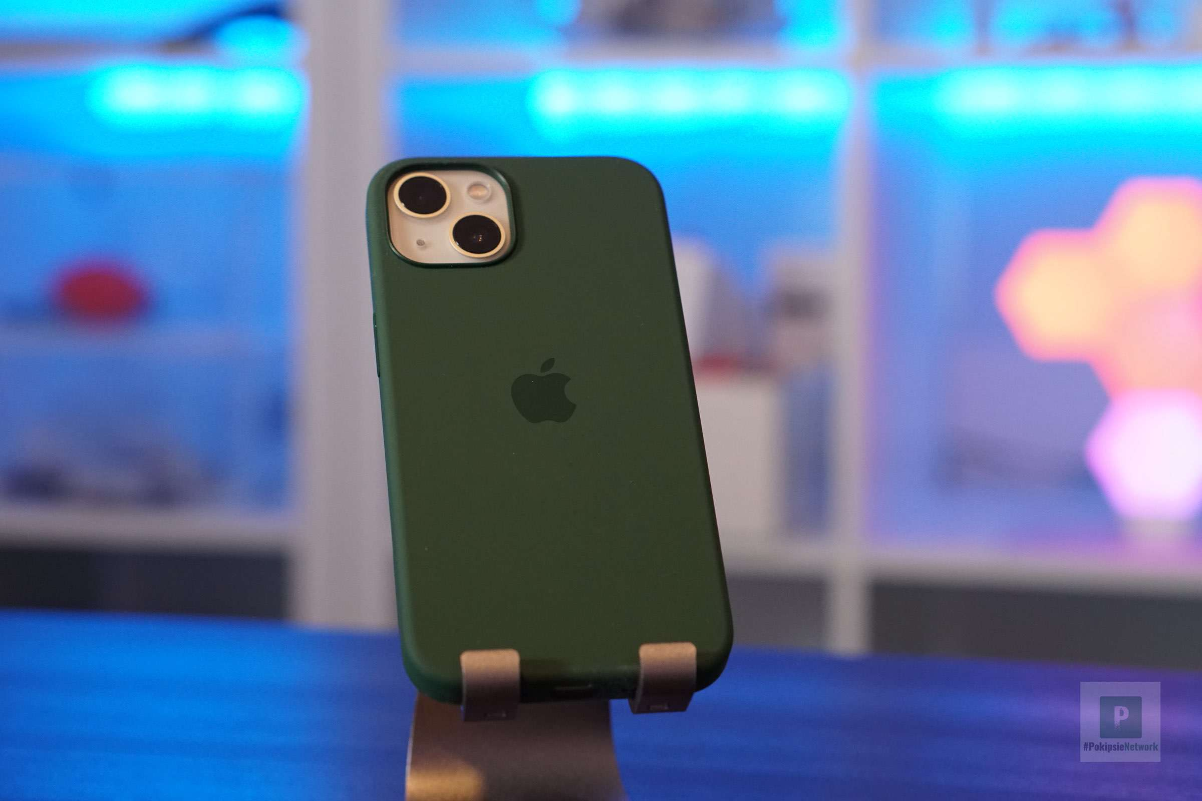 iPhone in der Hülle